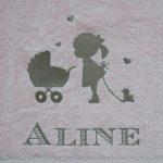 Meisje met kinderwagen - Aline