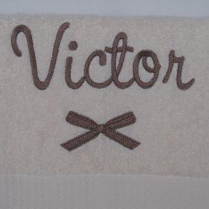 Detail - Victor met strik
